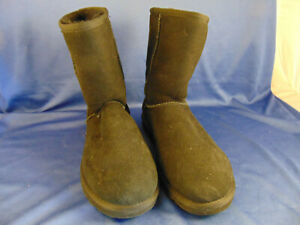 e8bbdfa951a Details about Women's black UGG boots size 8 W fur lined made Australia  winter wear 9