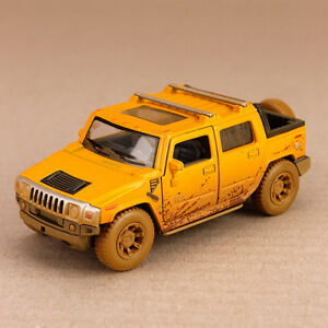 2005-Yellow-Hummer-H2-SUT-Mud-Spattered-Model-Car-1-40-Scale-Die-Cast-12-5cm
