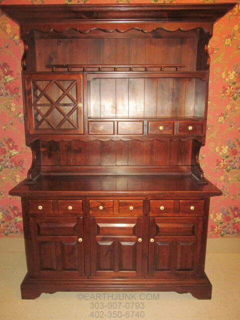 Charmant Ethan Allen Antiqued Old Tavern Pine China Hutch Cabinet 12 6029 Made In  USA For Sale Online