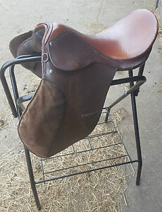 Saddle-18-034-Medium-Wide-Breaking-In-Training-Horse-Pony-Leather-Suede-2-Tone