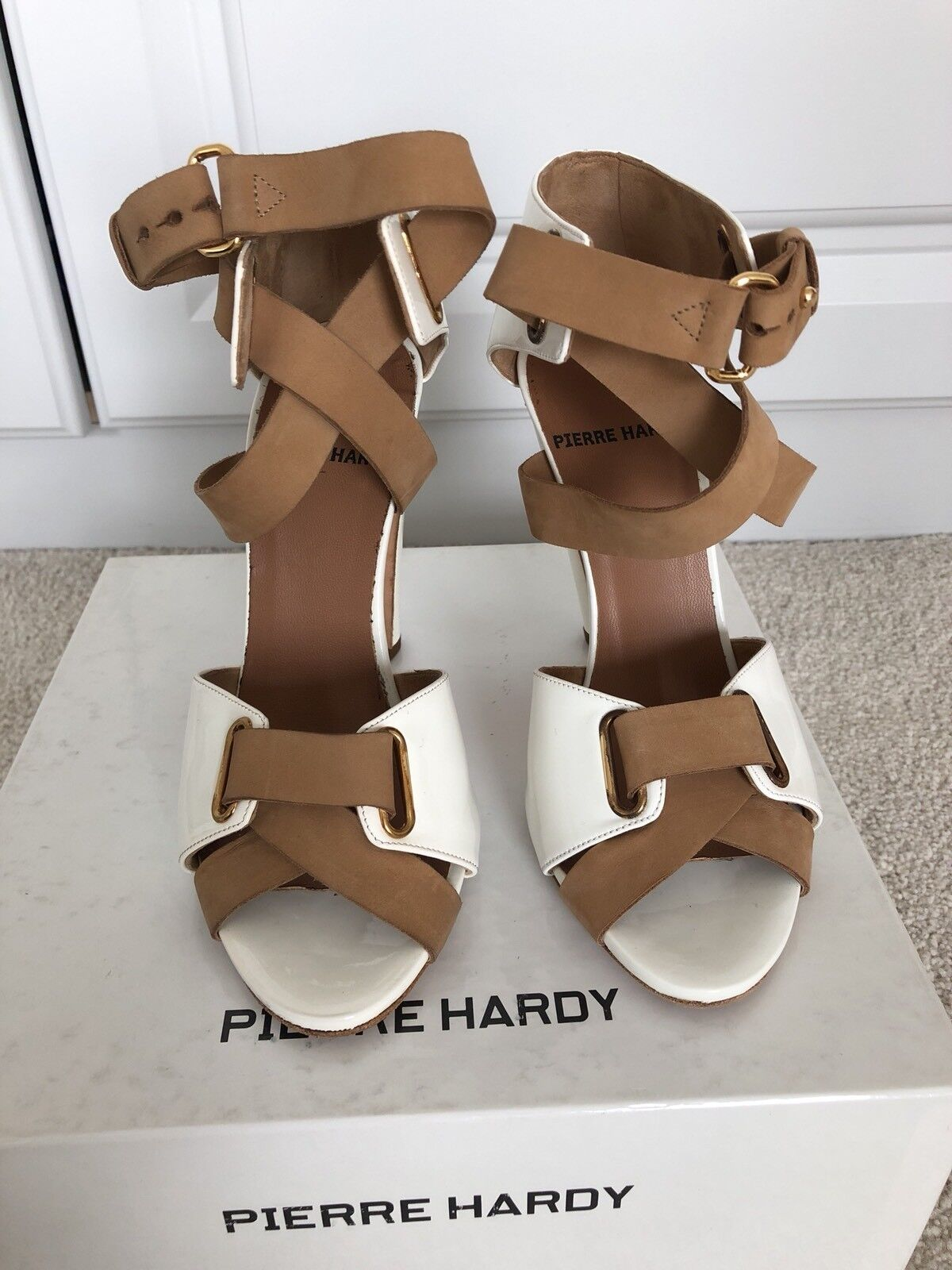 Pierre Hardy Crème Chaussures. taille 36.5