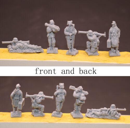 1//72 Resin German Artillery Crew 5 Soldiers Unassembled Unpainted WK076