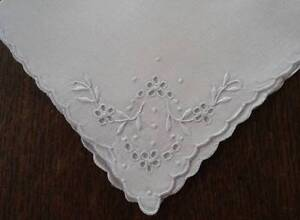 Vintage Linen Napkins Madeira Embroidered Eyelet Wreaths Set of 5