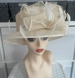 Hat Box Ladies Ivory Straw Feather Pearl/Bead/Feather Occassion Wedding Races