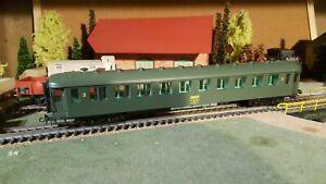 TRAM-echelle-ho-voiture-de-voyageurs-2eme-classe-SNCF-ref-2220
