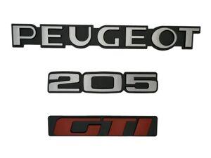 LOGO-PEUGEOT-205-GTI-MONOGRAMME-ROUGE-ET-GRIS-KIT-DE-3-LOGOS