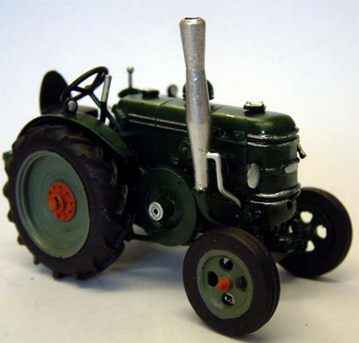Field Marshall Tractor Series 2 M10 UNPAINTED O Scale Langley Models Kit 1 43