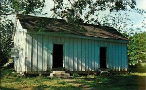 Postcard-Birthplace-Of-Helen-Keller-Ivy-Green-Tuscumbia-Alabama