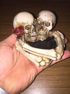 Ashtray Skull & Bones Solid Resin Ivory Finish Gothic Vintage Style