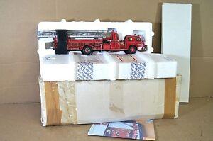 Franklin Mint Américain 1954 Lafrance Série 700 Grand Red Fire Engine Mib Na