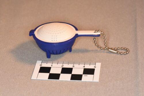 Tupperware Schlüsselanhänger Saladin Sieb blau weiß