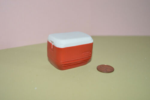 Miniature Cooler Red in 1:12 doll scale
