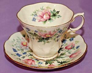 Royal-Albert-English-Bone-China-Teacup-amp-Saucer-Duo-SURREY-Random-Harvest-Series