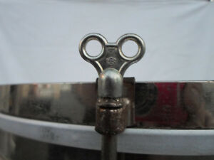 Charmant Ex. Escroquerie. Vintage Mini Drum Key-afficher Le Titre D'origine CaractéRistiques Exceptionnelles