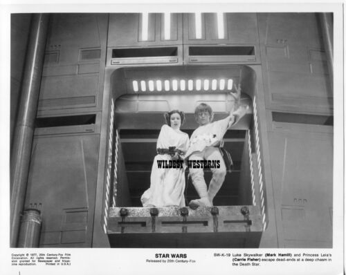 CARRIE FISHER is LEIA w MARK HAMILL Rare Photo VINTAGE ORIGINAL Star Wars