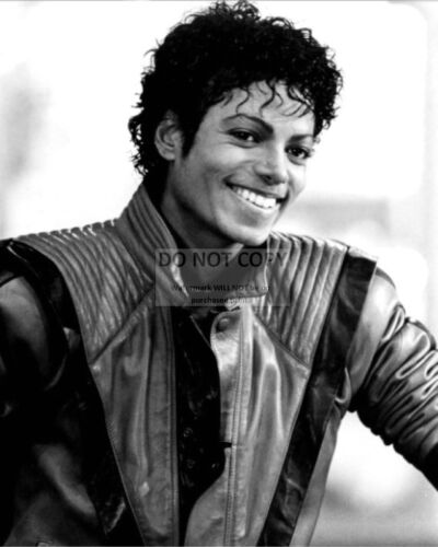 "MICHAEL JACKSON KING OF POP IN /""THRILLER/"" VIDEO OP-002 8X10 PUBLICITY PHOTO"