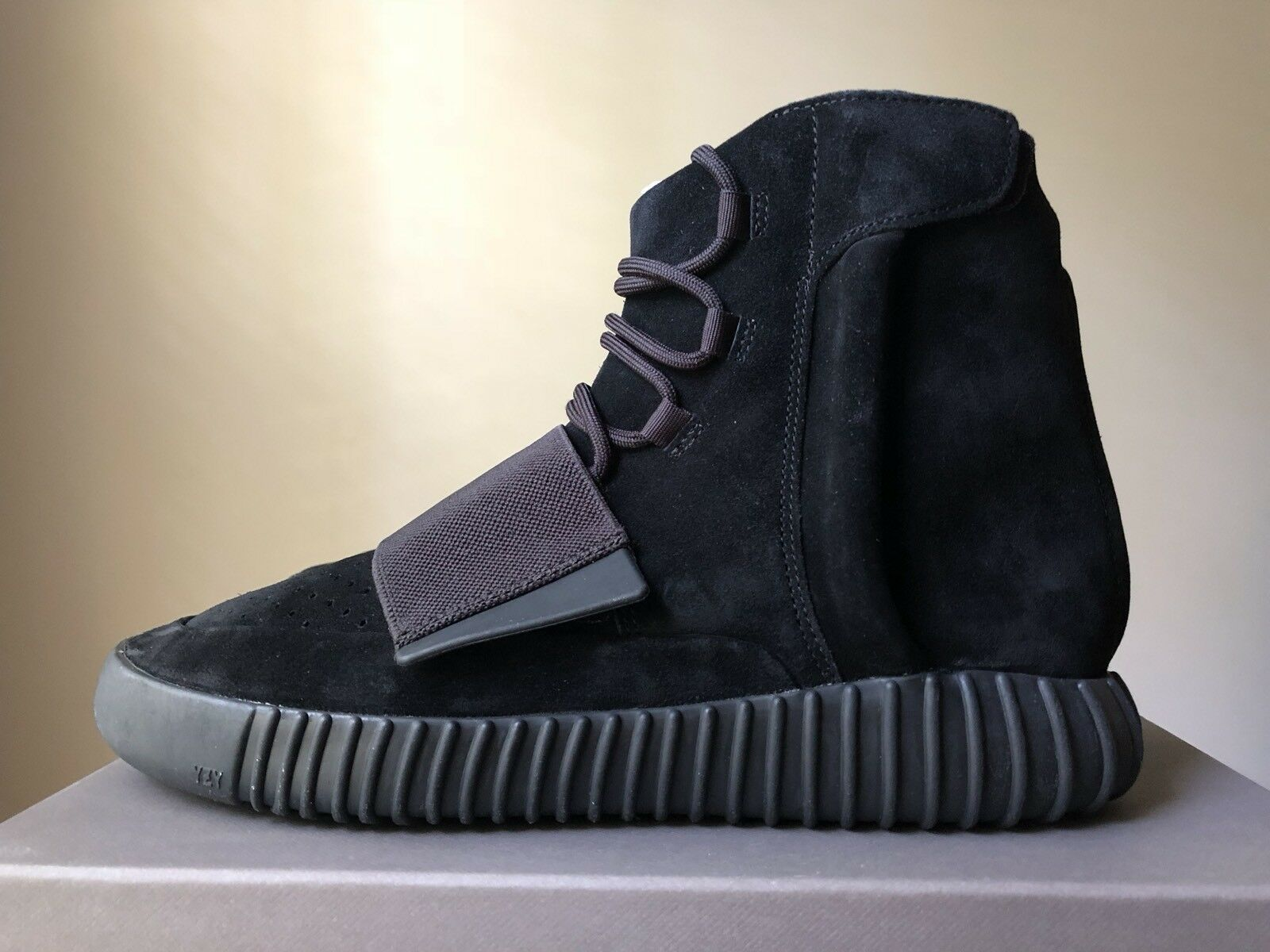Adidas Yeezy Boost 750 Triple Black BB1839 Size US 10 100% Authentic