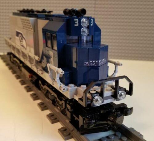 Lego Train Custom Seattle Seahawks GP40 Engine PLEASE READ ITEM DESCRIPTION