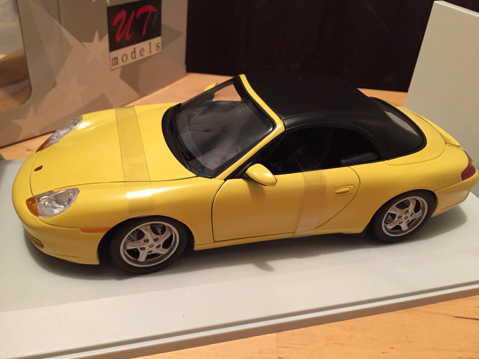 UT Models-PORSCHE 911 CABRIO (SOFT TOP) Giallo-Nuovo in Scatola in ottime condizioni