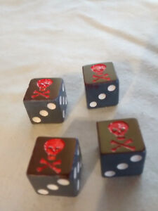 Pirates of the Caribbean 5 Skull PIRATE DICE 1 Cup Game Replacement 2006