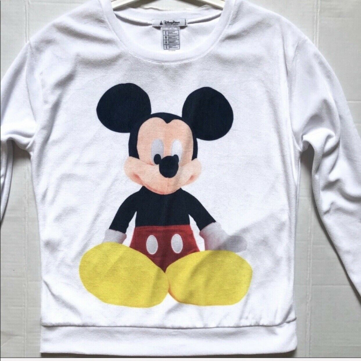 Disney Parks Authentic Mickey Mouse, White Sweater Long Sleeves size Small