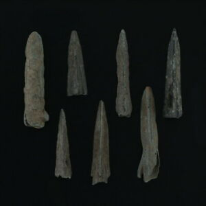 Ancient-Mayan-Weaponry-Arrowheads-Triblade-Trilobate-Pyramid-Patinaed-Lot-of-7