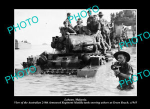 OLD-LARGE-HISTORIC-PHOTO-LABUAN-MALAYSIA-AUSTRALIAN-TROOPS-LANDING-c1945-1