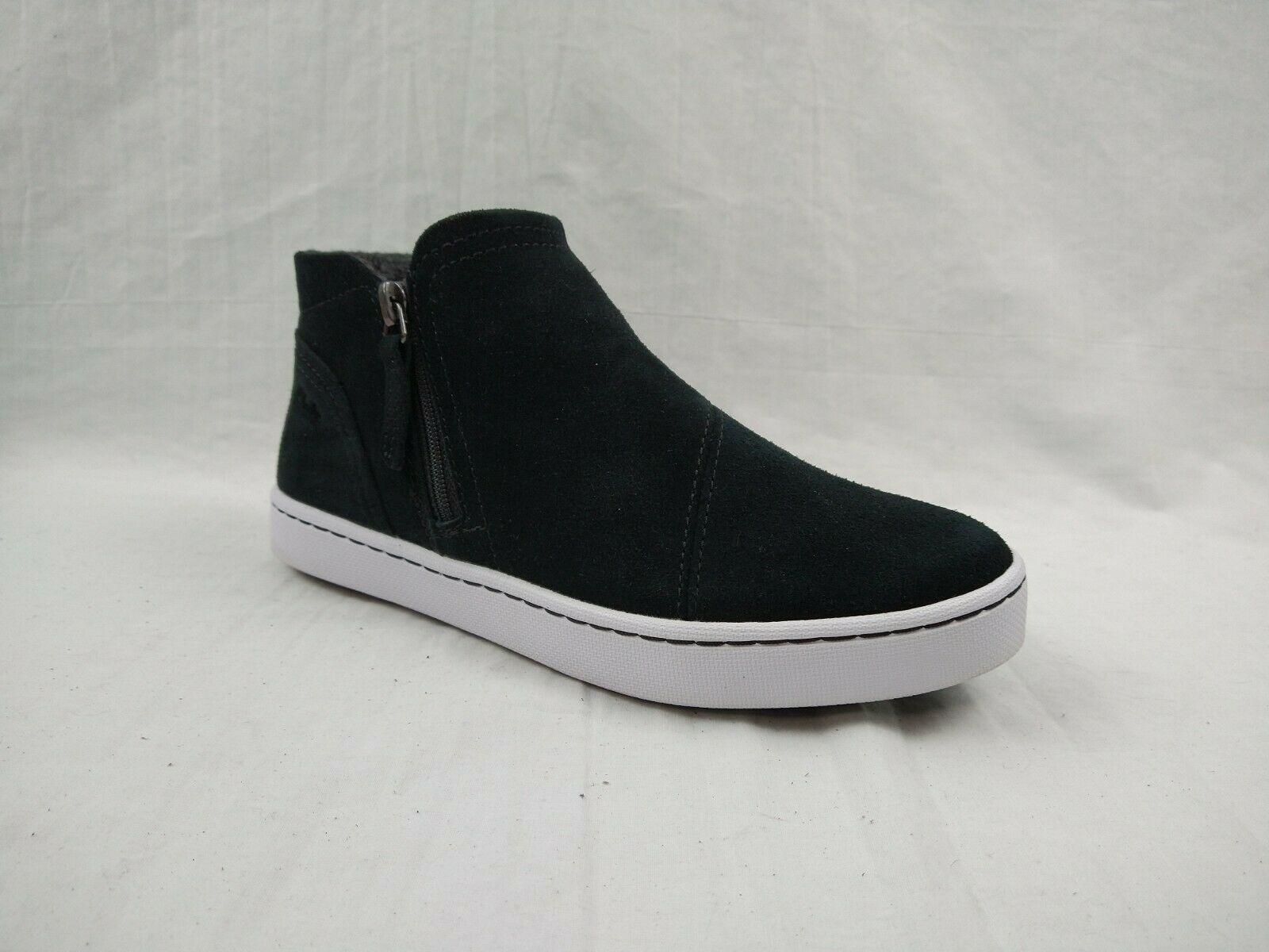 Clarks Pawley Joy Black Suede Leather Lined Sneaker Boots Women's Size 6.5 M US