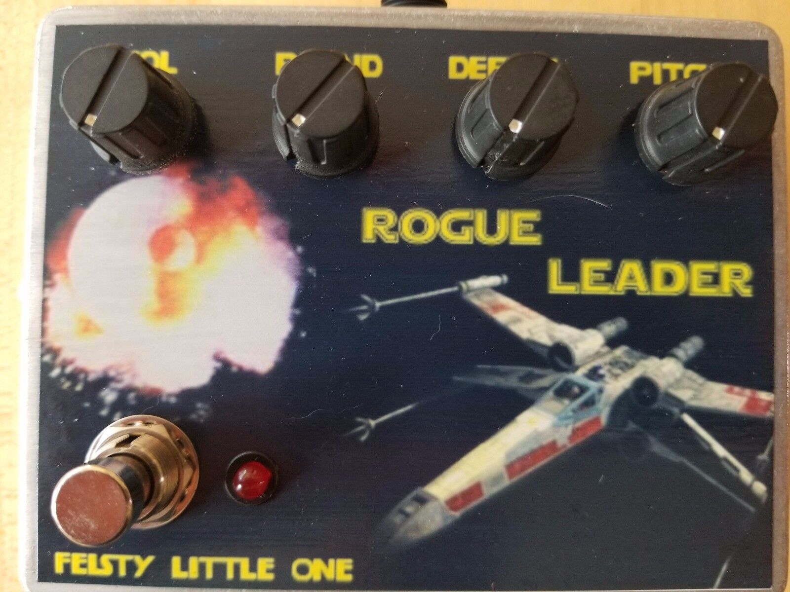 Feisty Little One Rogue Leader Pitch Shifting Fuzz Pedal New
