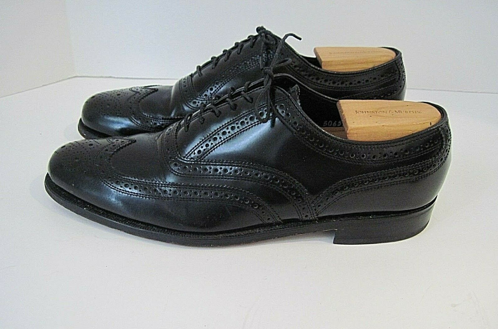 FLORSHEIM Black Leather Wingtip Oxfords Size 9 1 2D