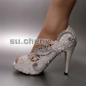 Satin Blanc Dentelle Ivoire à Bout Ouvert Fleurs Ailes Chaussures ... faca22ec7f1