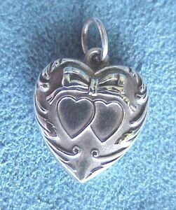 Vintage-THEO-World-War-II-Era-Double-Heart-Sterling-Silver-Bow-Knot-Puffy-Charm