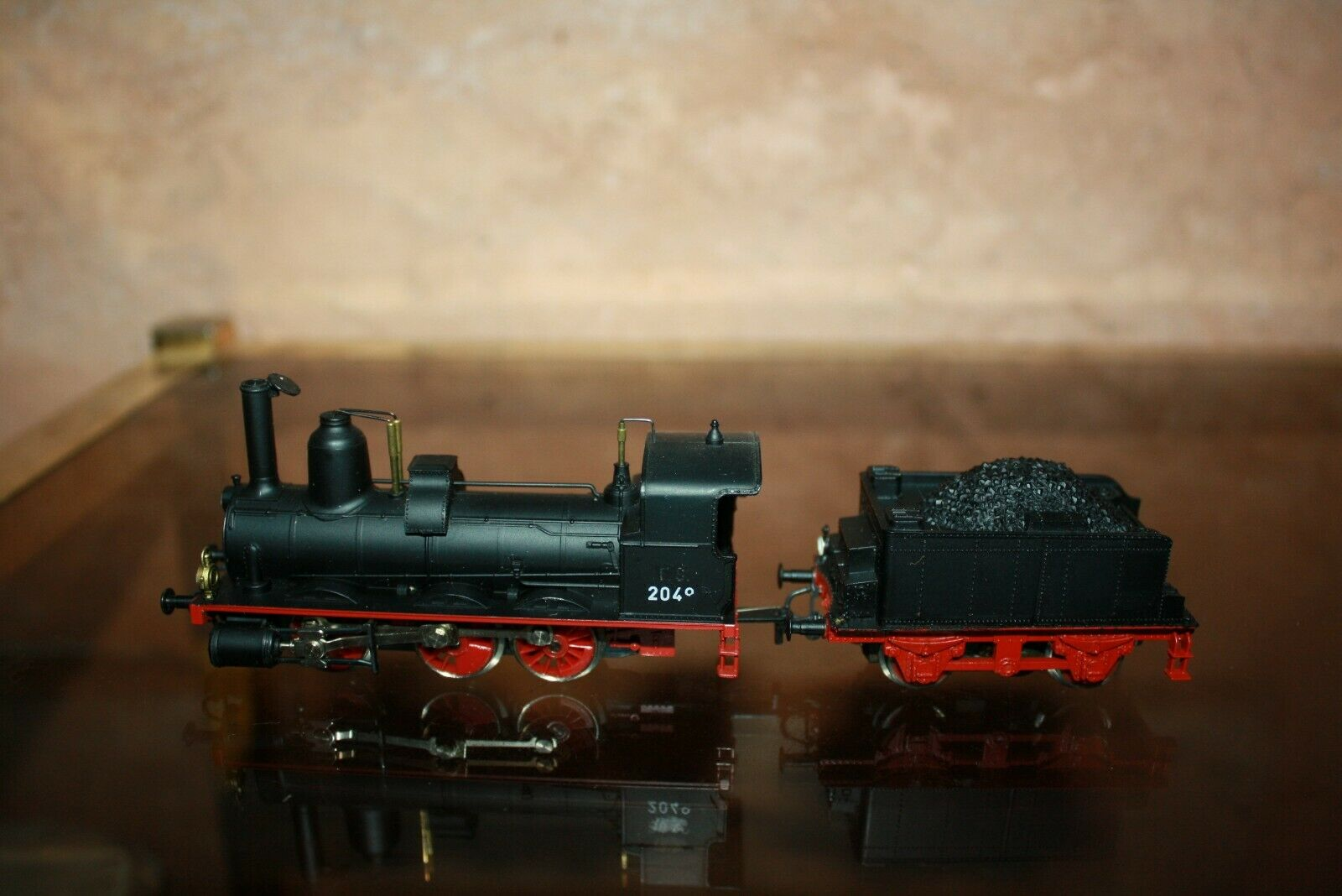 Rivarossi 2049 steam locomotive has oh