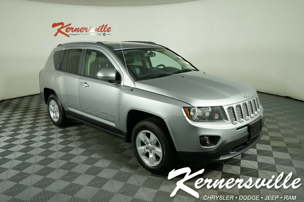2017 Jeep Compass SUV 4dr 2.0L I4 Engine Front Wheel Drive Heated Leather Seats