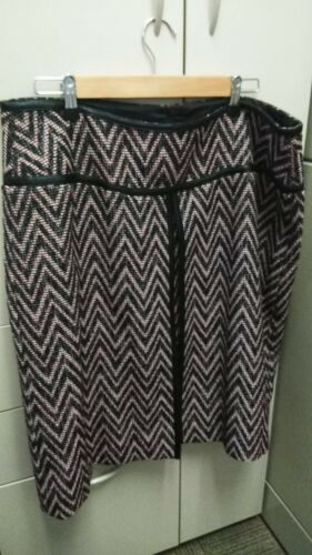 DONCASTER BROWN AND RUST RED SKIRT SIZE 14W