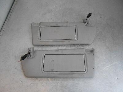 Vauxhall Zafira B (mk2) 2008 Sistema Operativo & Ns Conducente & Passeggero Coppia Alette Parasole Grigio- Superficie Lucente