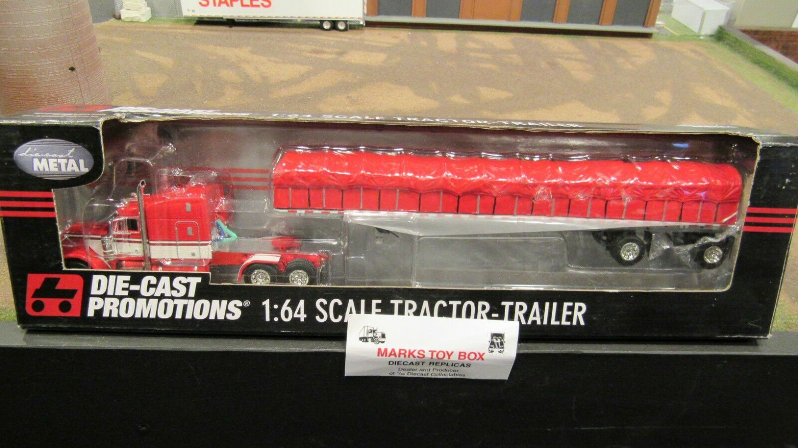 DCP#32888 A OWNER OPERATOR PETE 379 SEMI&COVERED WAGON FLAT BED TRAILER 1:64/FC