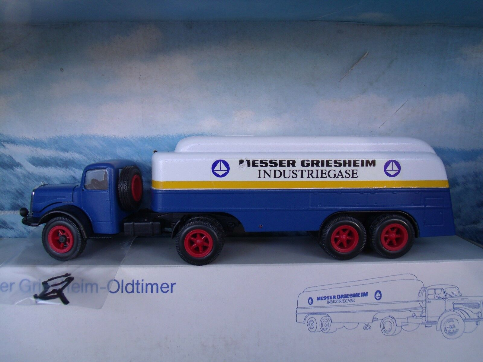 1 43 Conrad (Germany) Mercedes Articulated Tanker  Messer Griesheim Industriegas