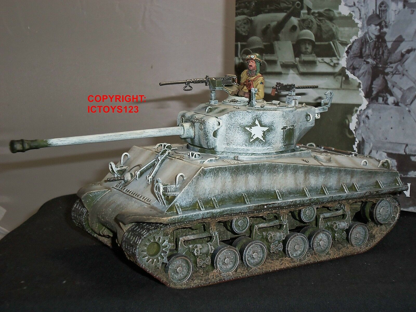 KING AND COUNTRY BBA54 WORLD WAR TWO M4 A3E8 EASY EIGHT MILITARY SHERMAN TANK