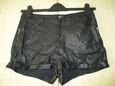 ladies H&M BLACK PVC FAUX LEATHER SHORTS / HOTPANTS UK SIZE 10
