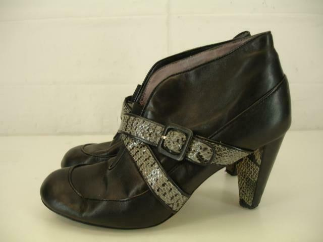 Womens 9.5 M Taryn pink Black Leather Snakeskin Harness Strap Ankle Boots Bootie