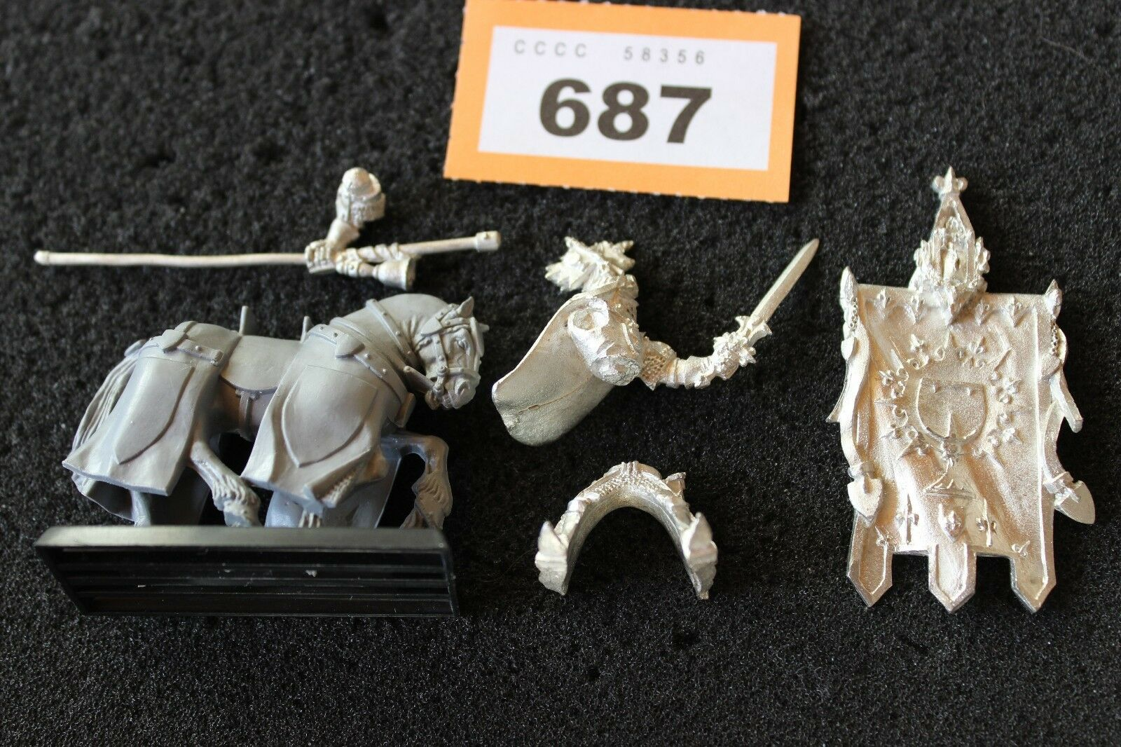 Games Workshop Warhammer Bretonnian Grail Knight Battle Standard Metal OOP GW