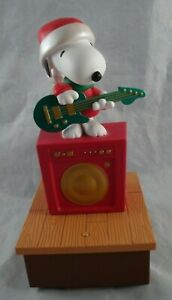 2011-Hallmark-Wireless-Music-amp-Motion-Peanuts-Snoopy