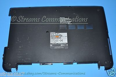 L55-B5294 TOSHIBA Satellite L55-B Laptop Palmrest w// Touchpad