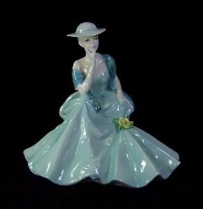 Coalport-Figurine-Ladies-of-Fashion-Hayley-Made-in-England
