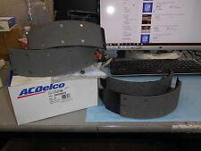 NOS GM Brake Shoe Kit Cadillac Fleetwood Chevrolet Blazer GMC Savana 18029663