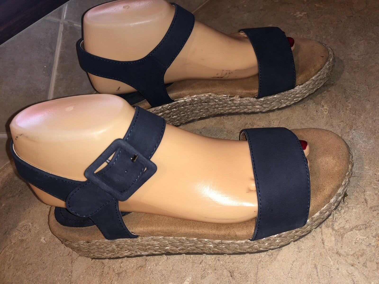 Kenneth Cole Calm Water Med Platform Sandal Women's Size 8.5M Navy