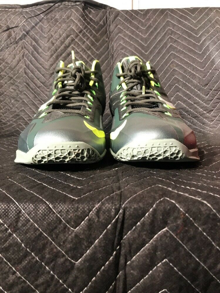New Nike Lebron 11 XI Size 13 Dunkman Green Volt Basketball shoes 616175-300