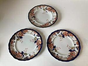 Wedgewood-Royal-Semi-Porcelain-Blue-And-White-Plates-amp-Bowl-RARE-Pattern-x3