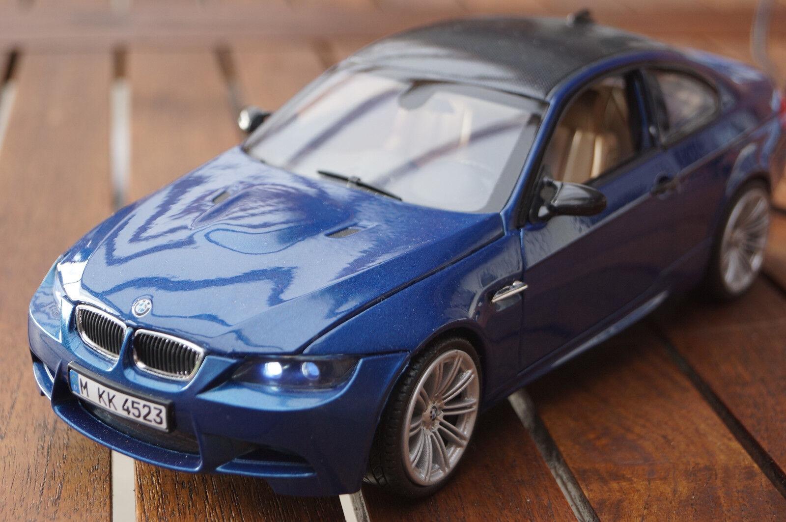 Bmw 3-er m3 e92 1 18 con iluminación LED (Xenon) de Motormax en blu